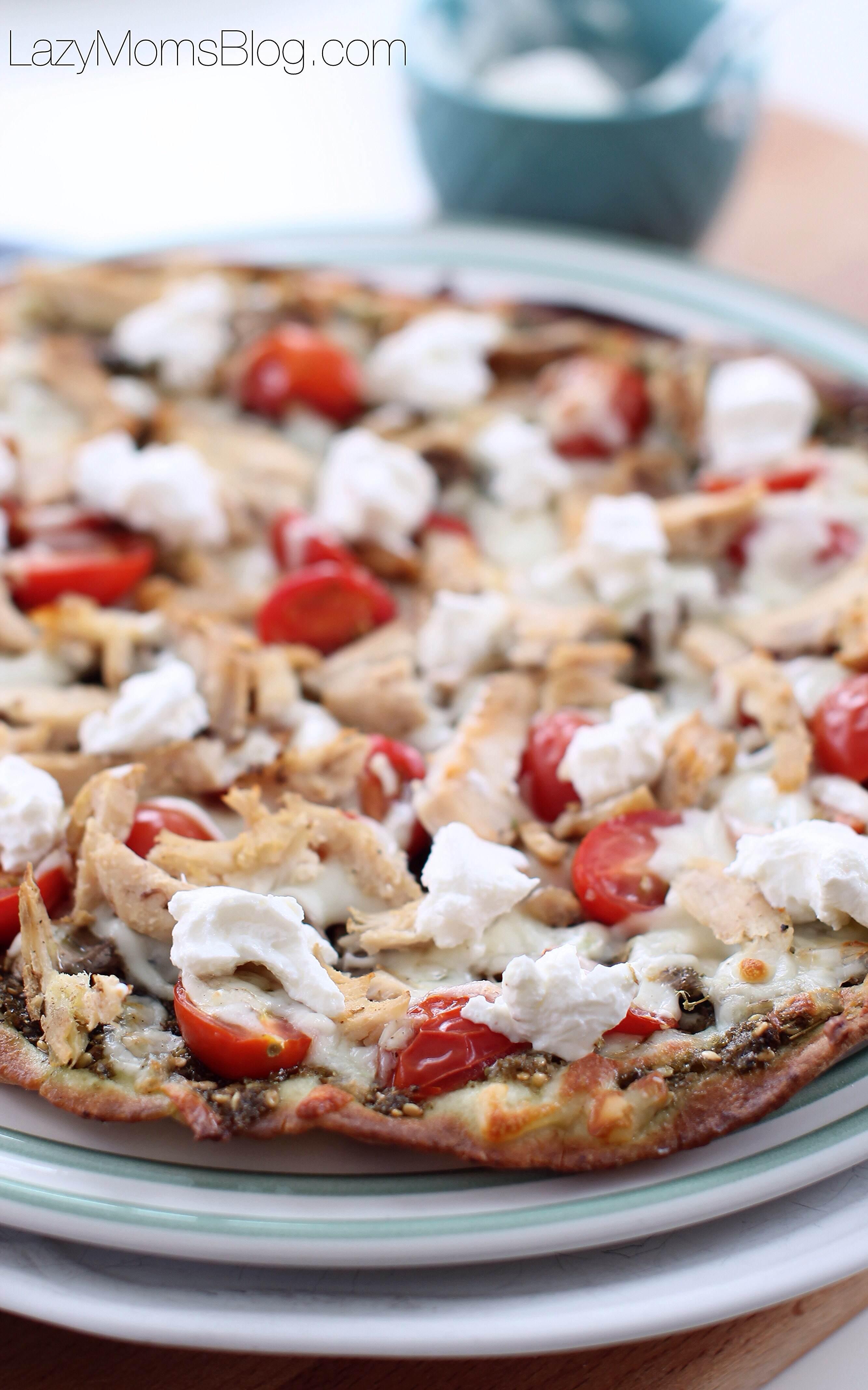Chicken zaatar pizza