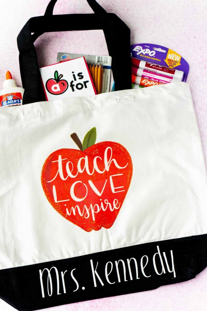 This image has an empty alt attribute; its file name is DIY-back-to-school-teacher-gifts-29-of-30-1024x1536-1-683x1024.jpg